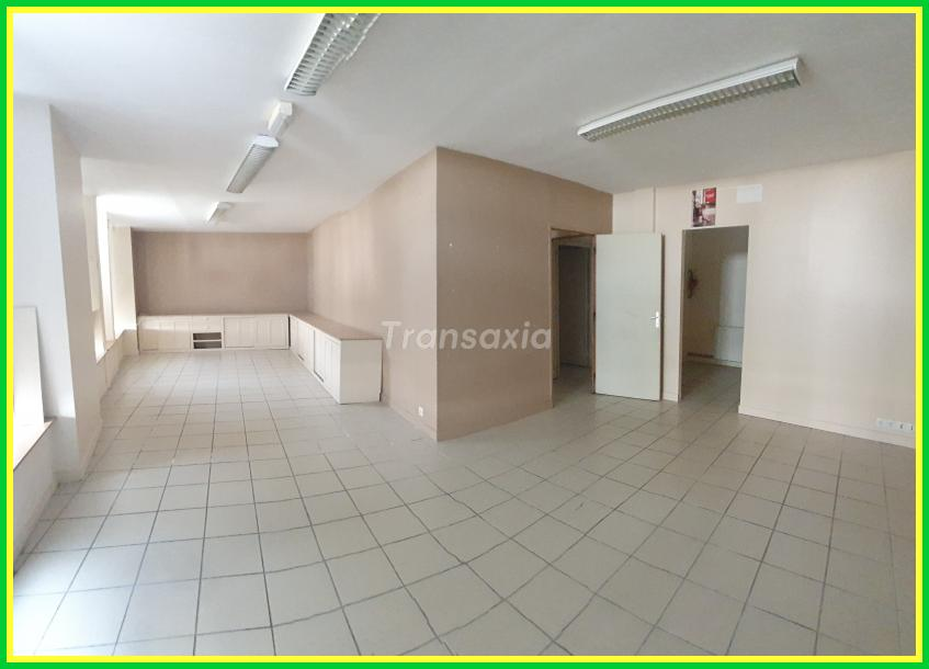 Appartement centre bourg+local