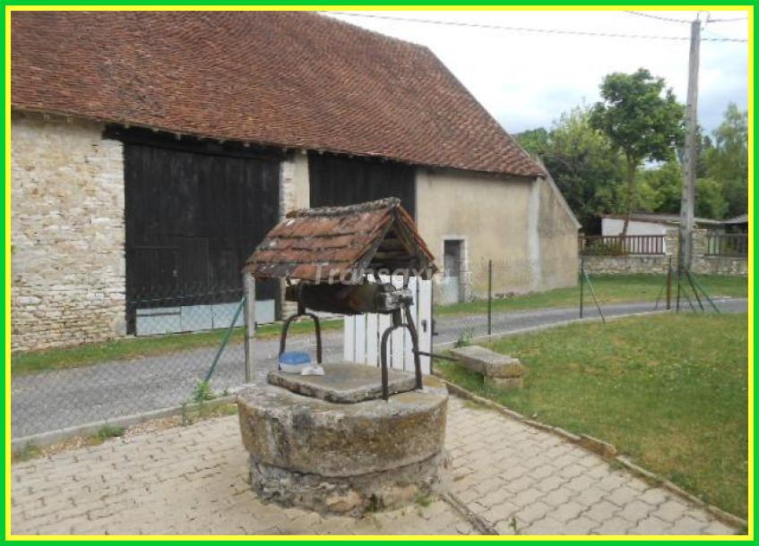 Maison de village en pierre...