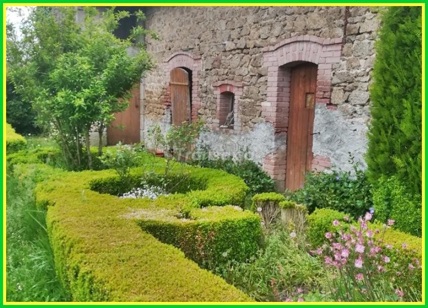 maison  en pierres et granges