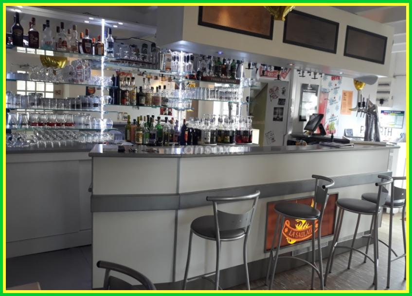 BAR EN BORDURE DE RIVIERE