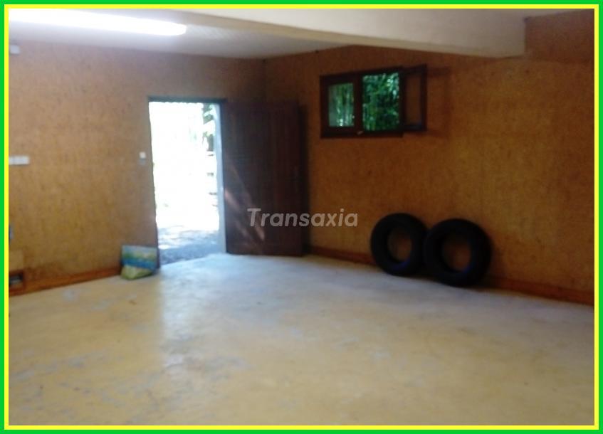 Maison-terrain et garage