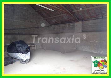 200 m2  hangars +garages
