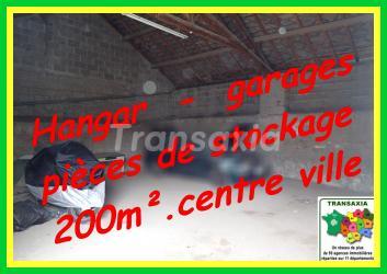 200 m2  hangar +garages